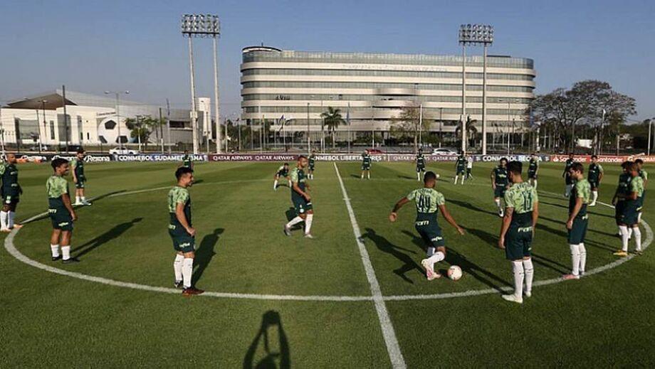 Atletas do Palmeiras se posicionam e pedem para jogo de domingo ser mantido