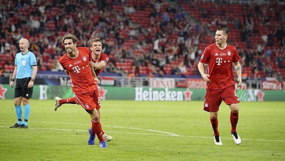 Javi Martínez comemora após marcar o gol do título do Bayern na prorrogação