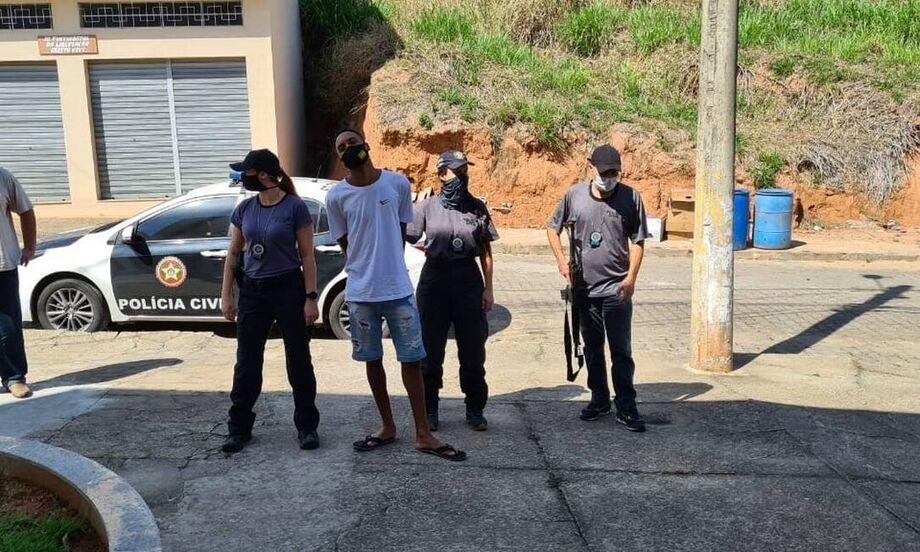 Polícia Civil cumpre mandado de prisão preventiva contra criminoso de Rio das Flores envolvido com tráfico de drogas que estuprou e engravidou vítima de 13 anos de idade