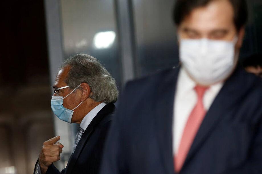 Paulo Guedes e Rodrigo Maia trocaram críticas nesta quarta