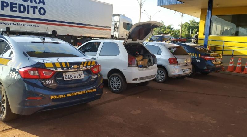 A Polícia Rodoviária Federal prendeu hoje (26) cinco pessoas por transportar mais de 270 kg de droga em Rio Brilhante