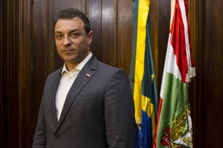 O governador de Santa Catarina, Carlos Moisés (PSL)