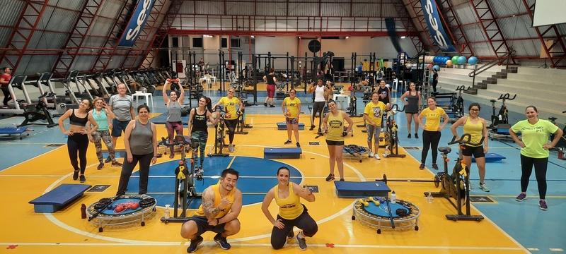 Treino em academia, aulas de judô e Pilates estão sendo oferecidos pelo Sesc