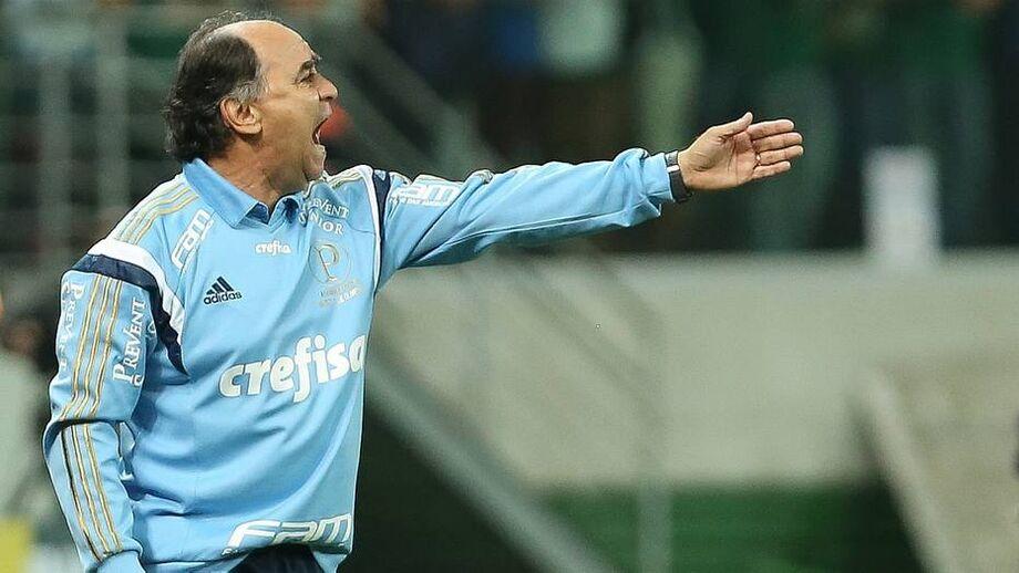 Tudo indica que o treinador vai realizar mudanças em relação ao time que iniciou na derrota para o CRB, por 1 a 0