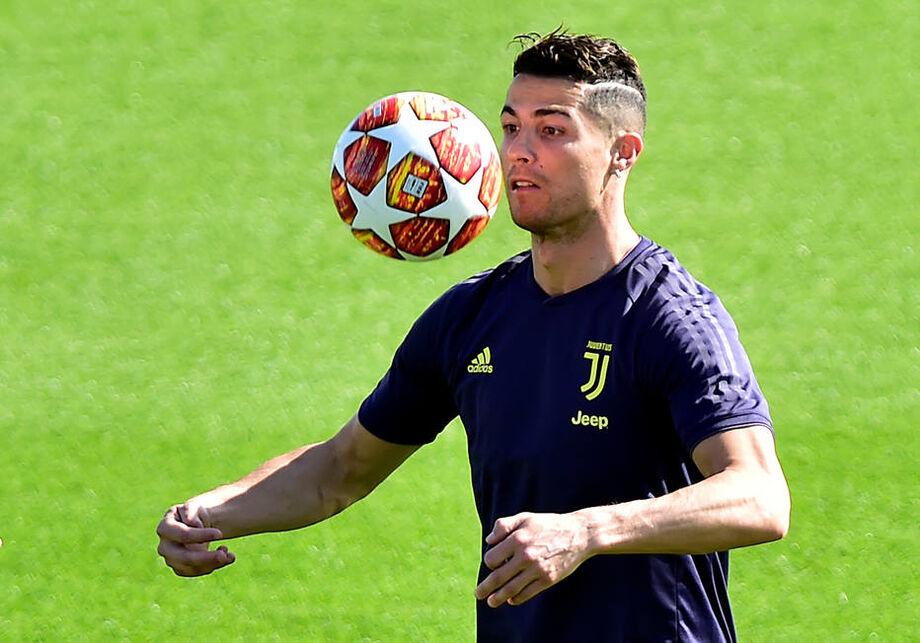 Cristiano Ronaldo dá negativo para covid e pode reforçar Juventus contra Spezia