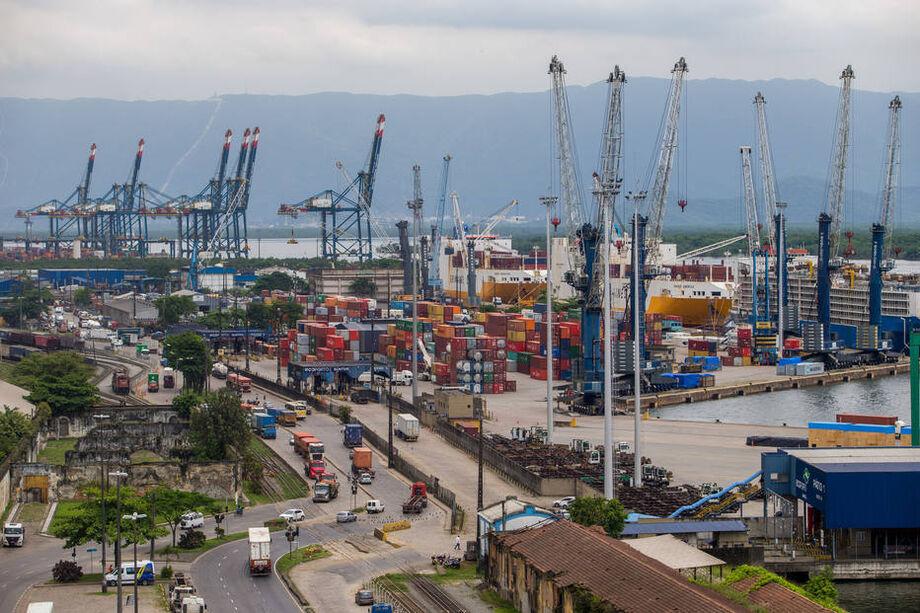Para o presidente-executivo da Abiquim, Ciro Marino, a recente recuperação da atividade econômica trouxe alívio ao setor e sinaliza que o fundo do poço