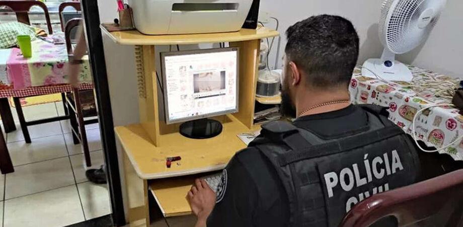 As equipes que atuam na operação estão em busca de acusados de crimes de abuso e exploração sexual contra crianças e adolescentes praticados na internet