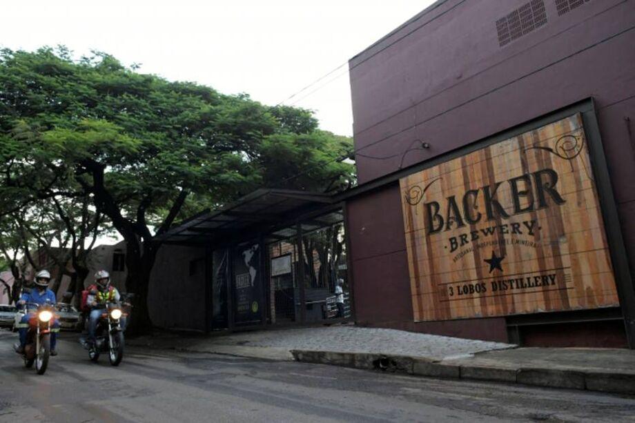 Uma outra cervejaria teria produzido as bebidas servidas no local