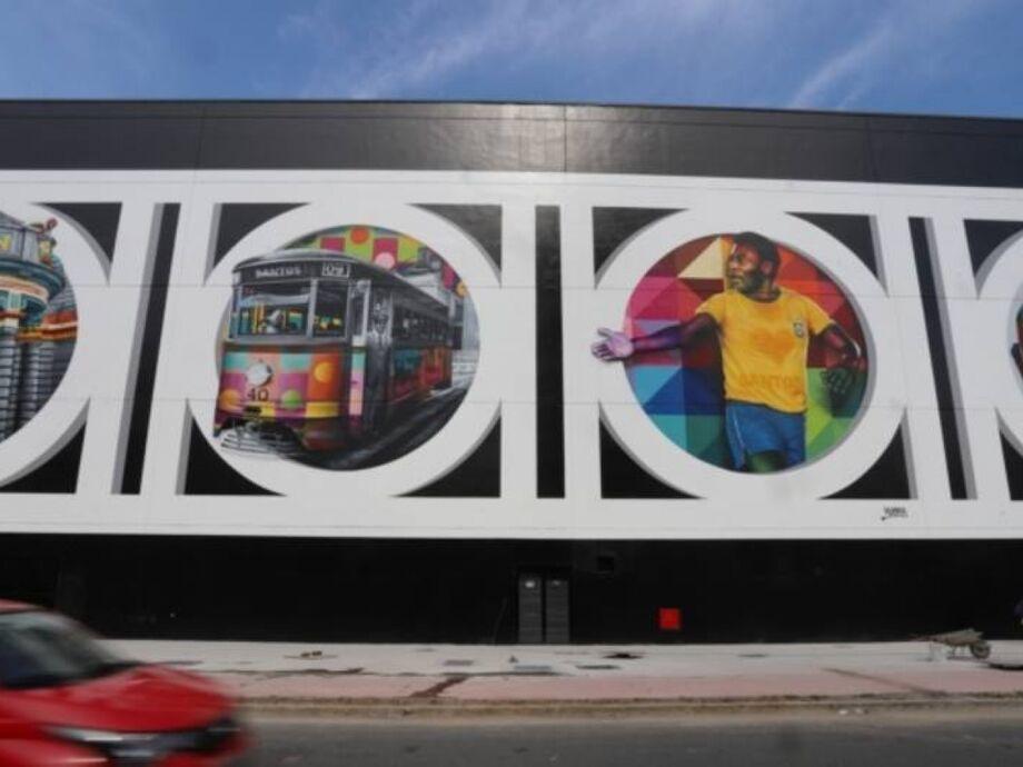Prestes a completar 80 anos, Pelé foi retratado em mural pintado pelo artista Kobra