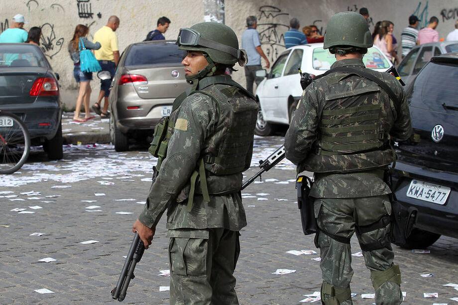 Desde 1994 a Justiça Eleitoral conta com o apoio logístico das Forças Armadas no dia da votação