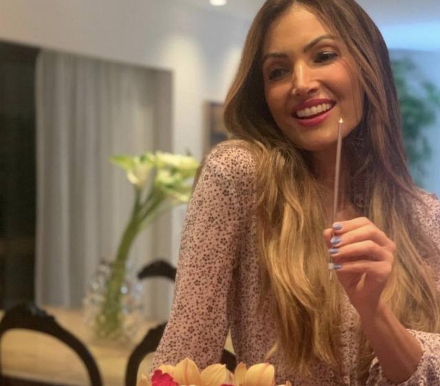 A apresentadora Patrícia Poeta completou 44 anos de idade