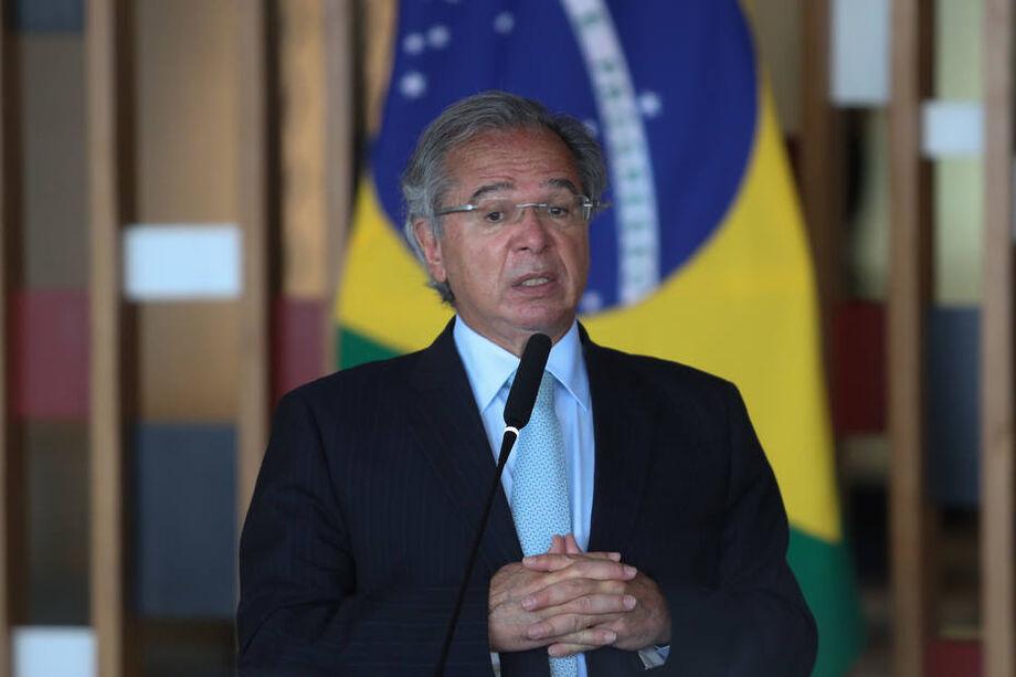 O ministro Paulo Guedes na cerimônia de assinatura de acordo do governo brasileiro com os Estados Unidos