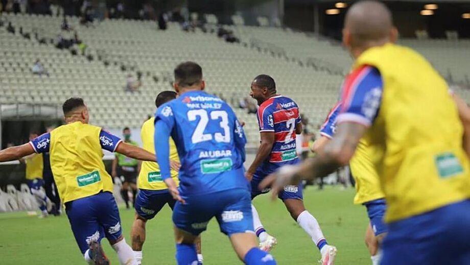 Os jogadores comemoraram o gol do título do Fortaleza sobre o Ceará