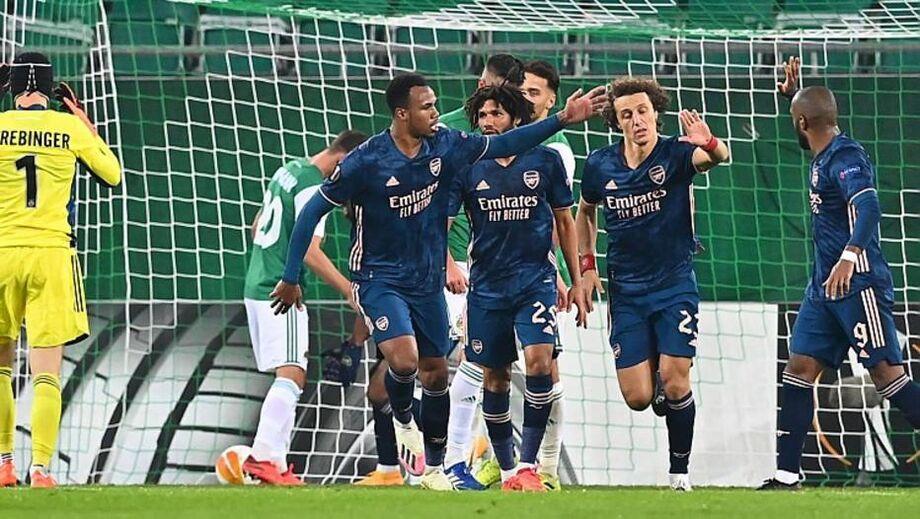 David Luiz comemora gol pelo Arsenal na vitória sobre o Rapid Viena