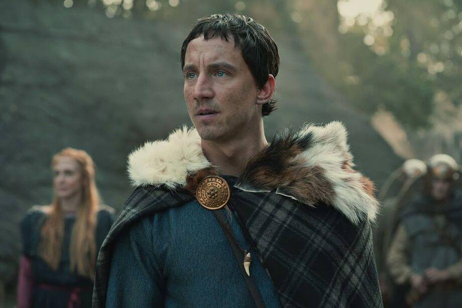 Laurence Rupp vive um bárbaro criado por romanos em 'Bárbaros'