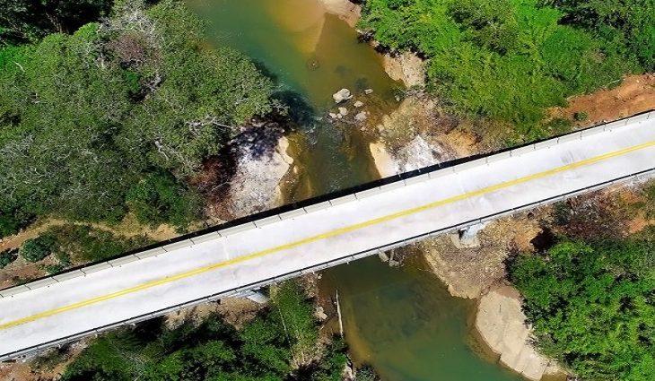 Ponte sobre córrego Vacadiga
