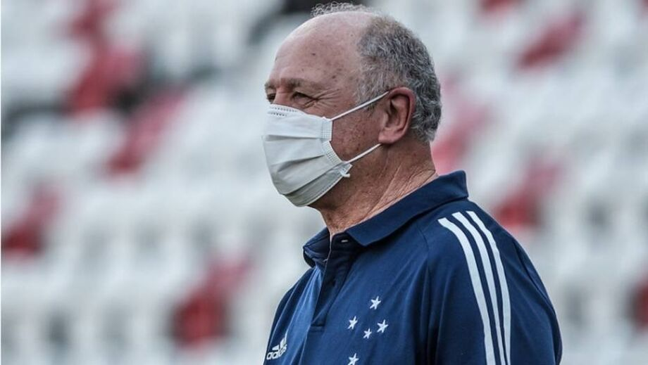 Cruzeiro, de Felipão, pagou dívidas e está livre da sanção da Fifa