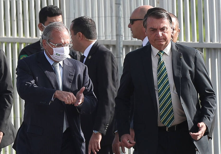 Estratégia foi assinada por Guedes, Bolsonaro e pela Controladoria-Geral da União