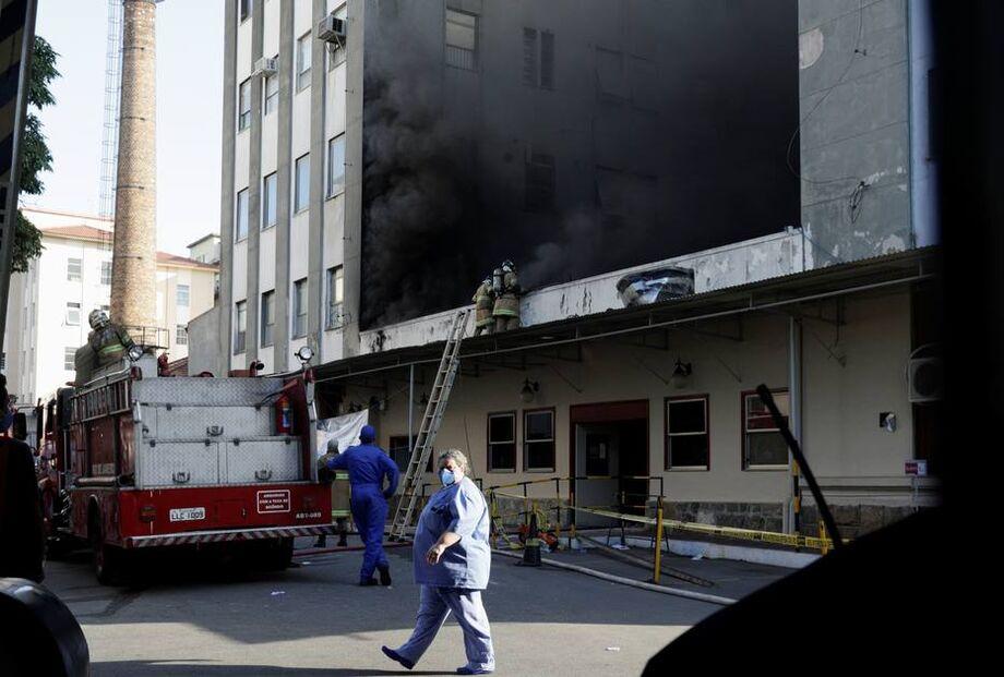 Na terça-feira, mais de 120 bombeiros de 13 quartéis atuaram no combate às chamas e no socorro às vítimas