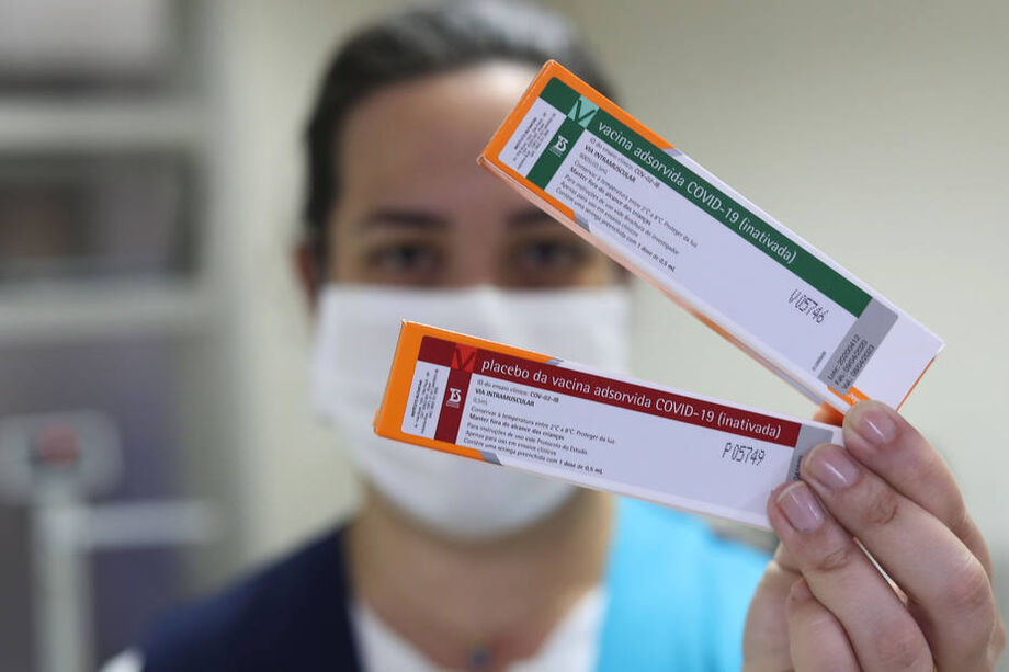 Em testes no Brasil, vacina Coronavac será produzida pelo Instituto Butantã