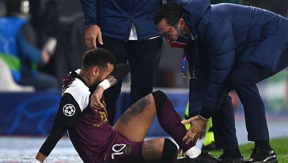Neymar se lesionou em confronto válido pela Liga dos Campeões