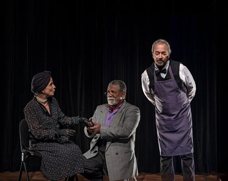 No palco, André Garolli, Antoniela Canto e Riba Carlovich.