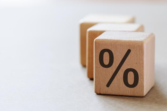 As taxas terminaram perto dos ajustes anteriores