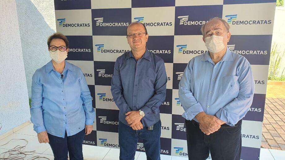 A ministra de Agricultura Tereza Cristina (DEM-MS), o candidato a prefeito de Dourados Barbosinha e Valdenir Machado candidato a vice