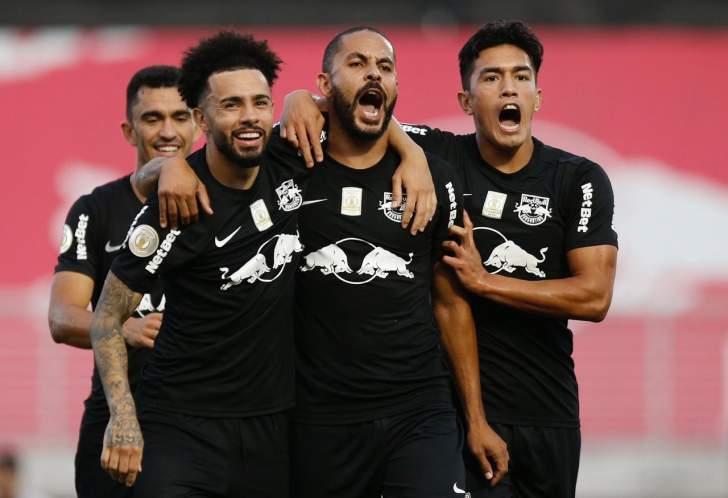 Bragantino derrota o Goiás
