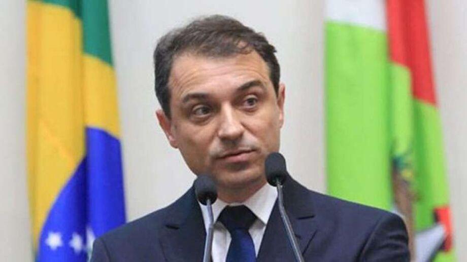 'Julgamento político', diz governador afastado de SC sobre impeachment
