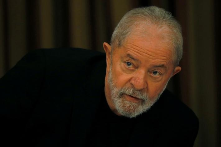 O ex-presidente Lula durante encontro com integrantes do PT, em Brasília, em fevereiro