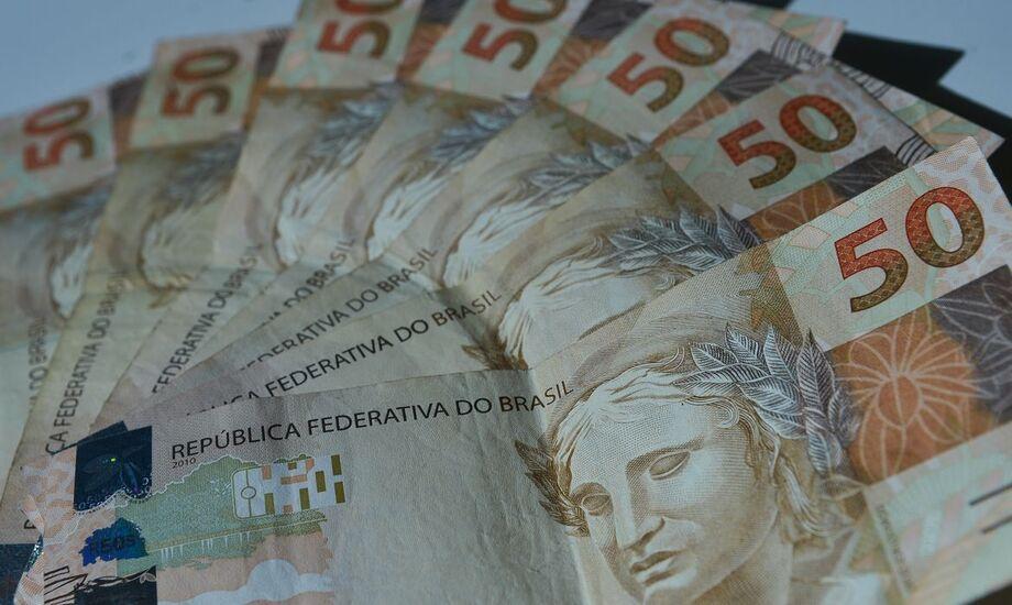 O Tesouro Nacional considera em suas projeções que o PIB brasileiro cairá 5,0% neste ano - número que leva em consideração a mediana das expectativas do Relatório de Mercado Focus, do Banco Central