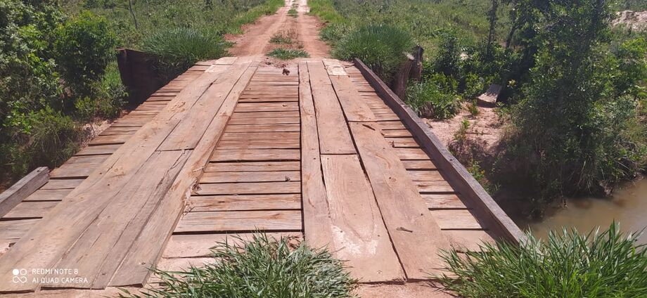 Toda a área protegida afetada para a construção da ponte que ligava uma estrada da fazenda foi medida com GPS e perfez 1.280 metros quadrados