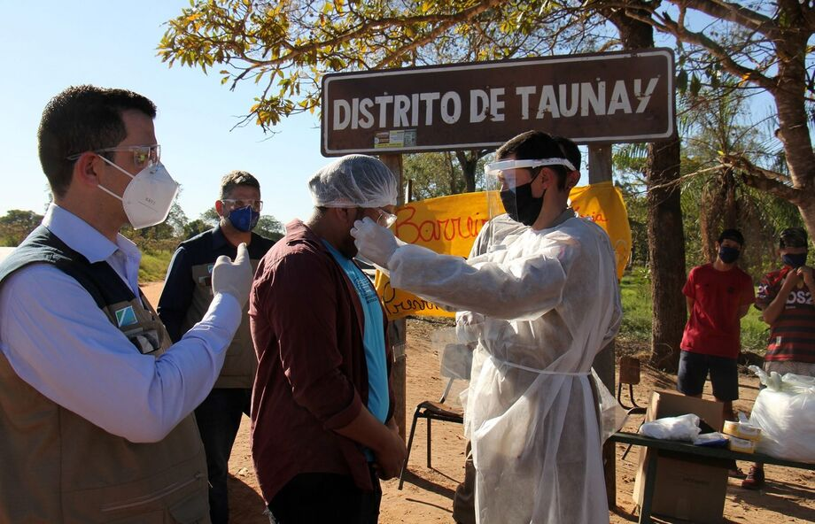 Secretaria de Saúde em visita nas aldeias do Distrito de Taunay