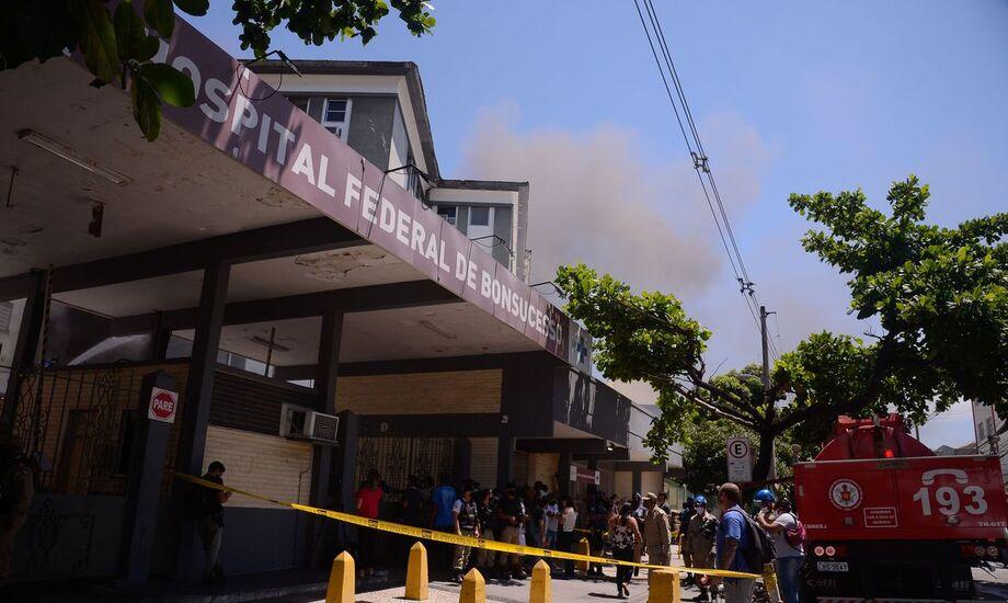 HFB confirma terceira morte e bombeiros fazem rescaldo do incêndio