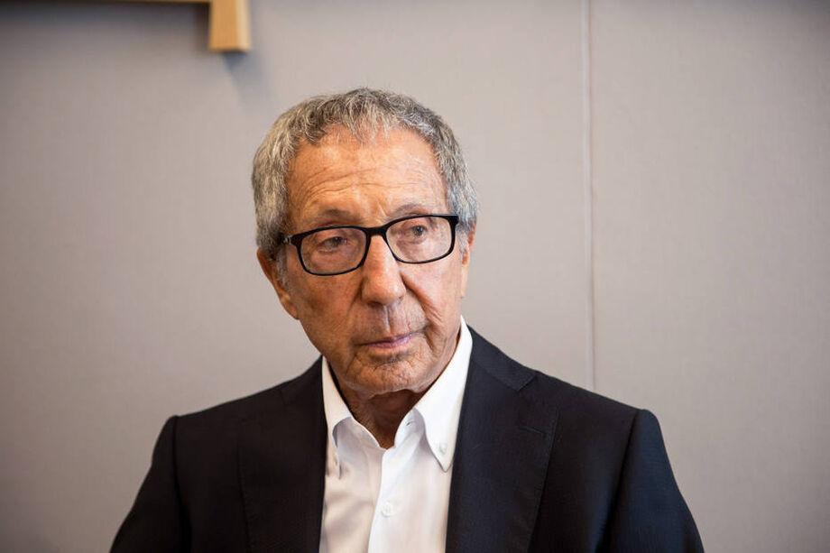 Abílio Diniz é acionista e membro dos Conselhos de Administração do Carrefour Global e do Carrefour Brasil