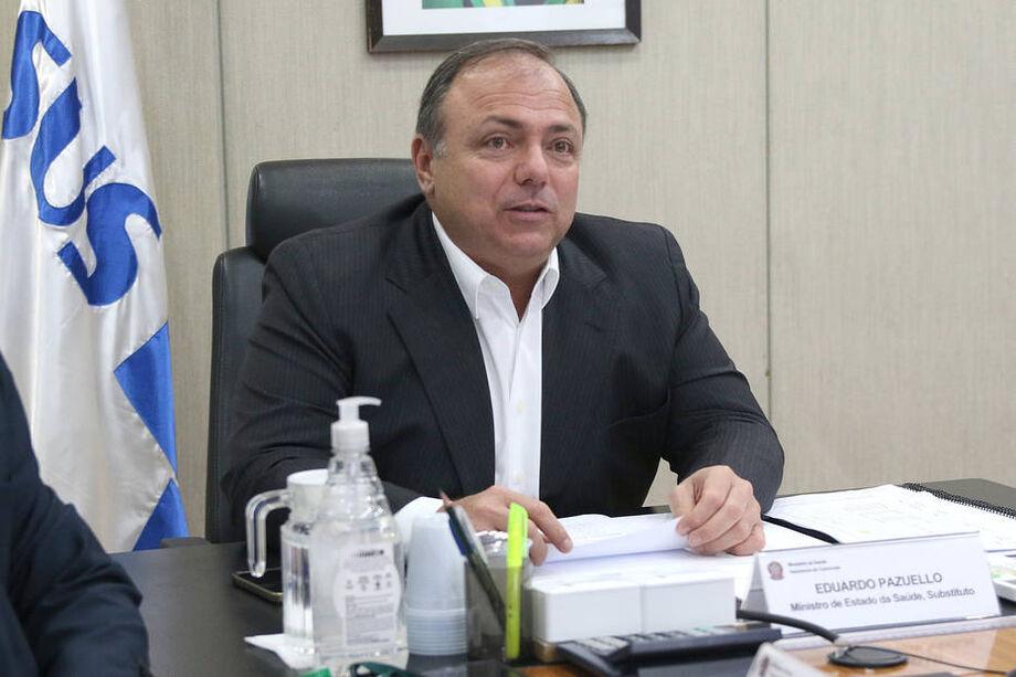 Pazuello afirmou a auxiliares que ainda não vê razões para reforçar as medidas de proteção