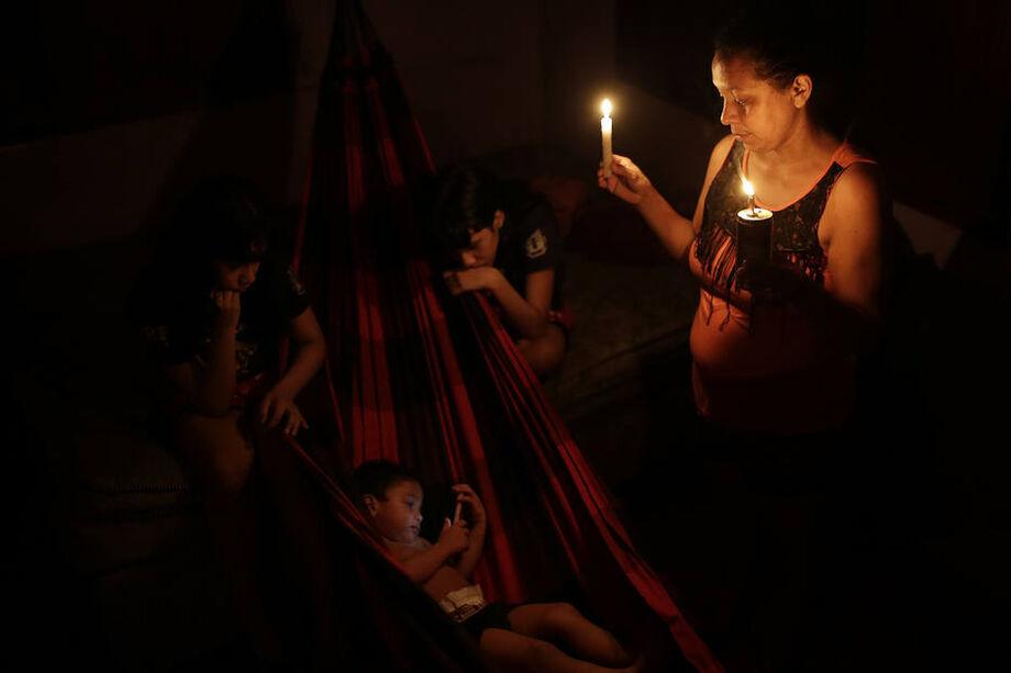 O caos elétrico começou no último dia 3, quando um incêndio em um transformador deixou o Estado às escuras