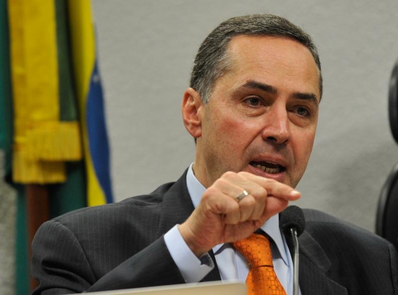 O presidente do TSE explicou que as urnas não ficam conectadas em rede