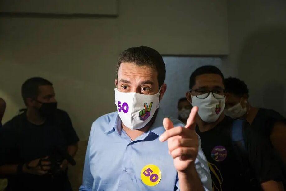 Guilherme Boulos fez campanha em Itaquera, na zona lleste de São Paulo
