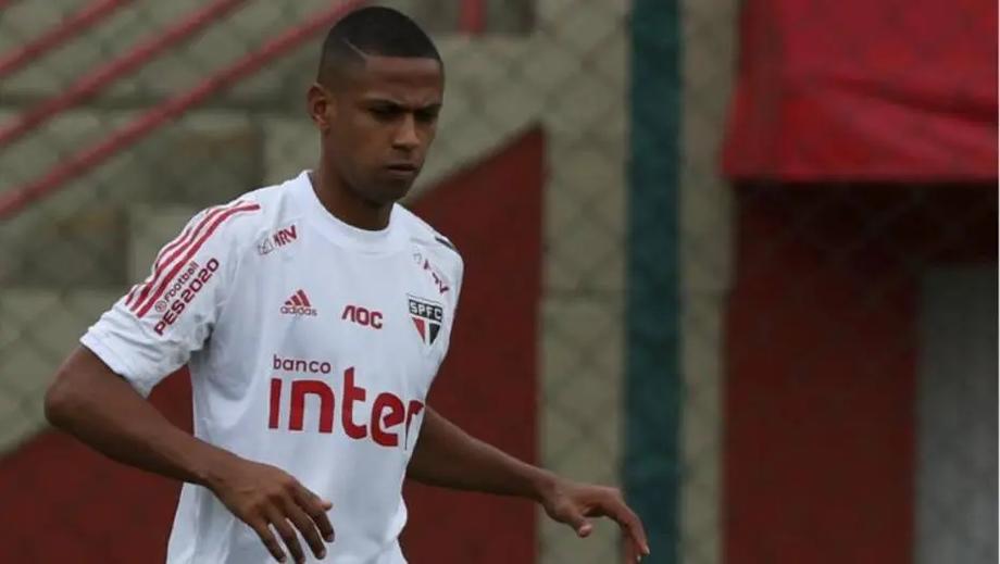 Bruno Alves permaneceu em São Paulo por precaução