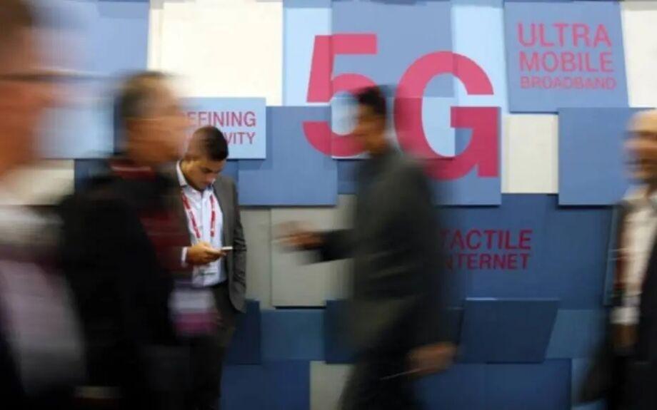 No Brasil, os gastos associados a uma decisão como essa ainda não foram levantados, mas a decisão pode atrasar o 5G e comprometer os serviços já prestados, dizem as teles