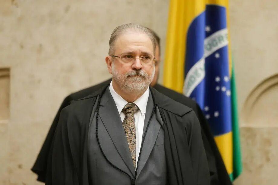 Augusto Aras, procurador-geral da República, recebeu despacho sobre supostos crimes eleitorais cometidos por parlamentares bolsonaristas.