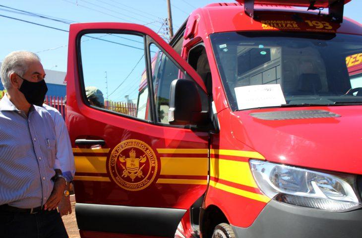 Entregues pelo Governo do Estado ao Corpo de Bombeiros nesta segunda-feira (23), as sete unidades de resgate a vítimas de acidentes são as melhores do Brasil e vão melhorar o socorro, afirmam os militares