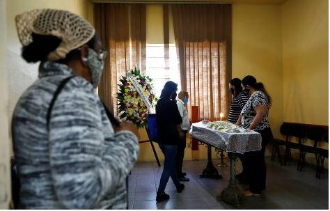 A cerimônia de despedida será no cemitério municipal São João, no bairro Higienópolis, também na zona norte da capital