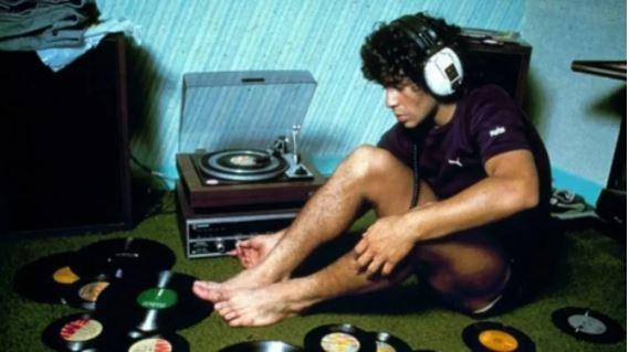 Maradona costumava ouvir discos em casa que hoje virou museu dedicado a ele