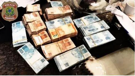 Até as 8 horas da manhã, a PF havia apreendido R$ 120 mil na Operação Iniquidade