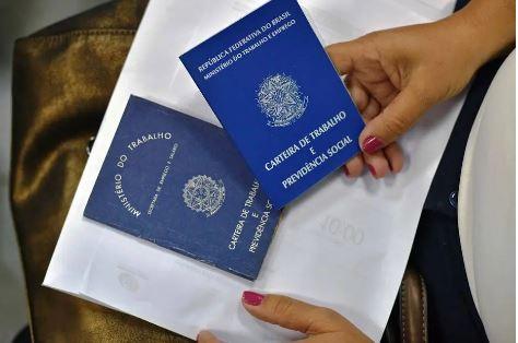 O mercado de trabalho formal brasileiro registrou em outubro a abertura de 394.989 vagas