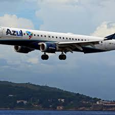 Azul antecipa fim de acordo de redução de jornada com aeronautas
