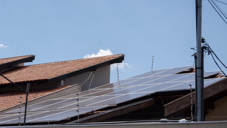 A Prefeitura Municipal de Campo Grande publicou no Diário Oficial desta quarta-feira (25) o decreto n. 14.529, que implanta o Programa Campo Grande Solar